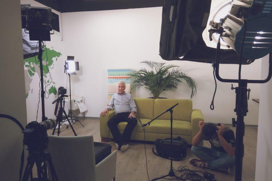 natáčanie rozhovoru pre firemné video